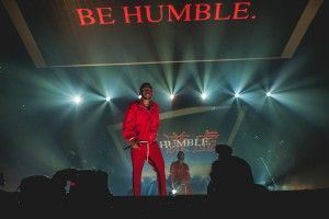 1200px-Kendrick_Lamar-_The_DAMN._Tour_@_TD_Garden_(Boston,_MA)_(36059988466)