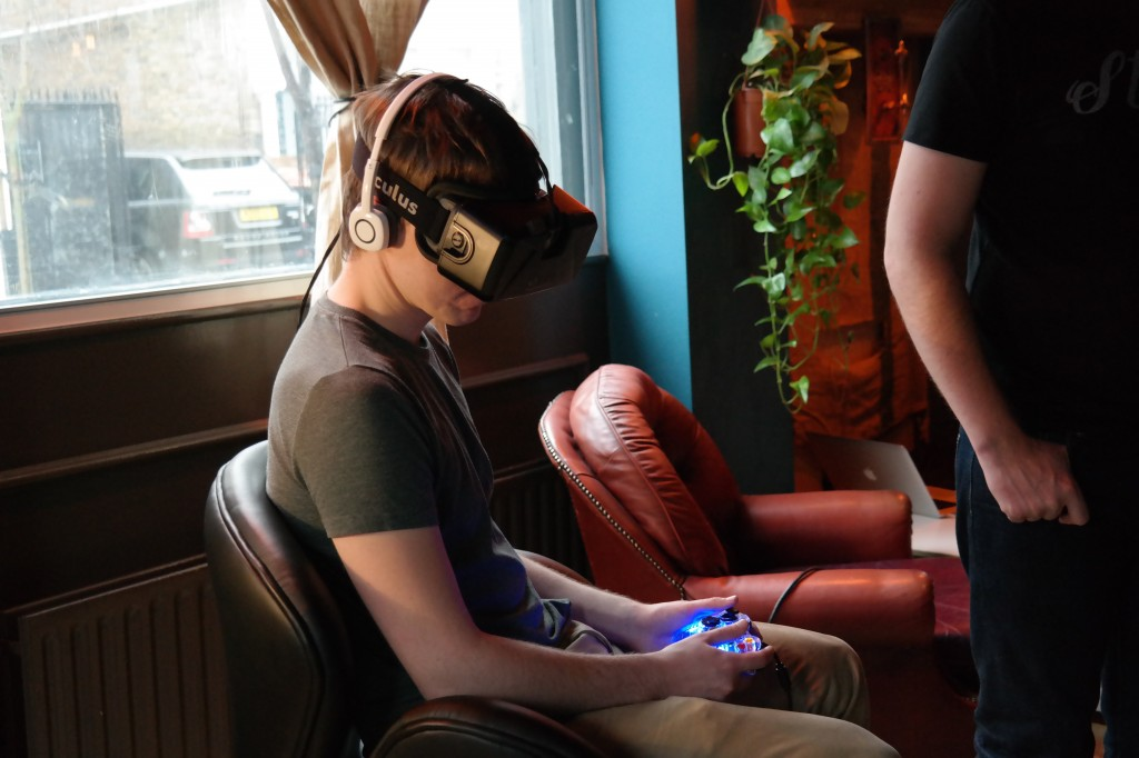 A journalist trying out the Roto VR platform